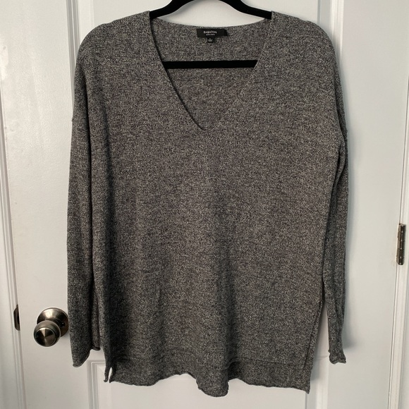 Babaton - Long Sleeve Sweater
